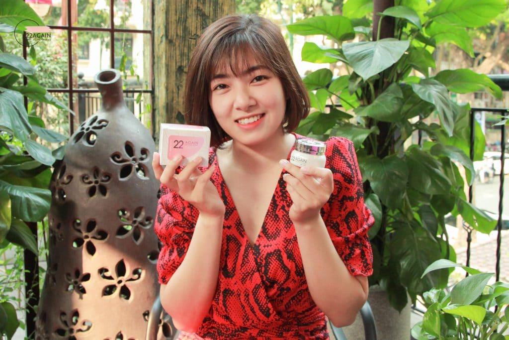 Diễn viên Lê Huyền Trang là khách hàng của kem chống lão hóa 22 Again