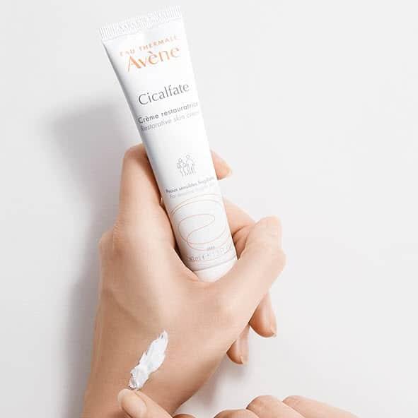 Review Review Kem trị mụn đầu đen Avene Cicalfate Restorative Skin Cream
