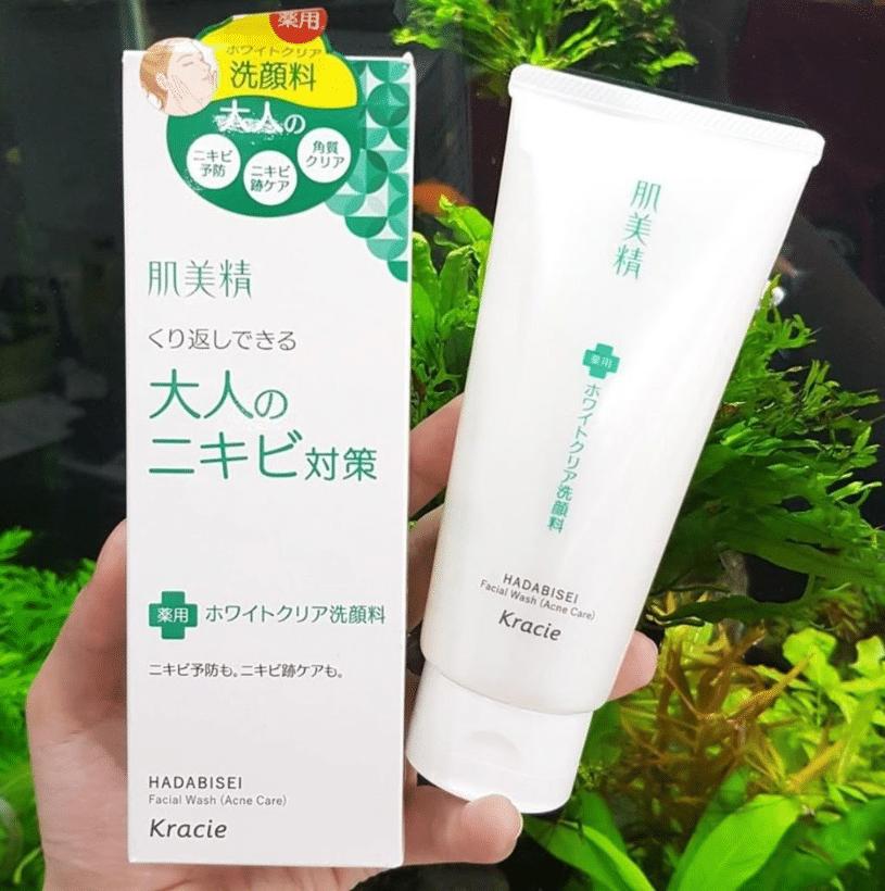 Review sữa rửa mặt trị mụn của Nhật Kracie Hadabisei