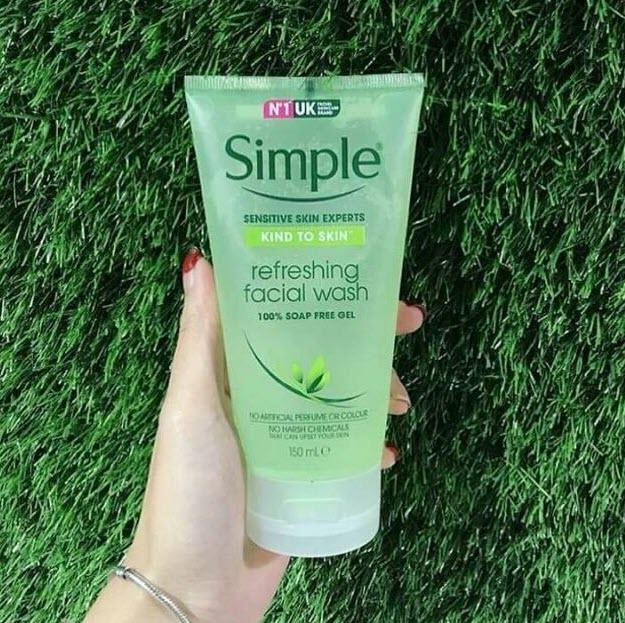 Review Review Sữa rửa mặt trị mụn cho tuổi dậy thì Simple Refreshing Facial