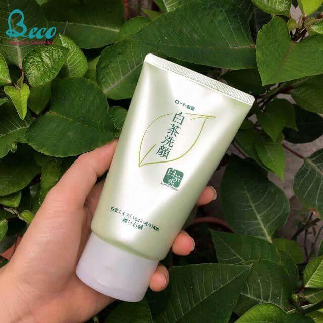 Review Sữa rửa mặt trị mụn của Nhật Shirochasou White Tea Face Wash