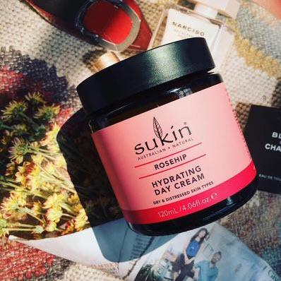Review Kem dưỡng ẩm ban ngày Sukin Rosehip Hydrating Day Cream