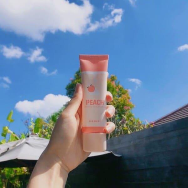 Review Kem dưỡng trắng da cho tuổi dậy thì Coringco Peach Whipping Tone Up Cream