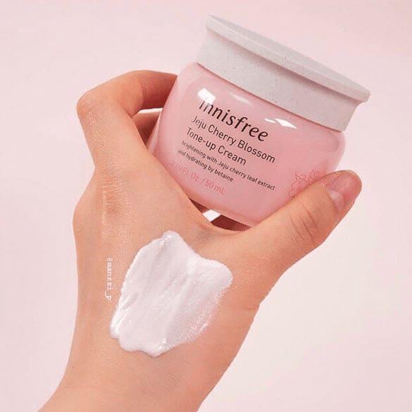 Review Kem dưỡng trắng da cho tuổi dậy thì Jeju innisfree Cherry Blossom Tone Up Cream