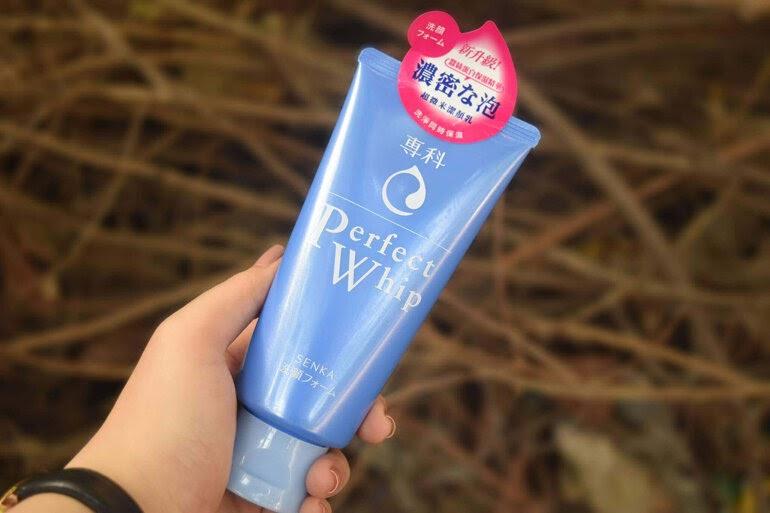 Review Sữa rửa mặt Senka Perfect Whip