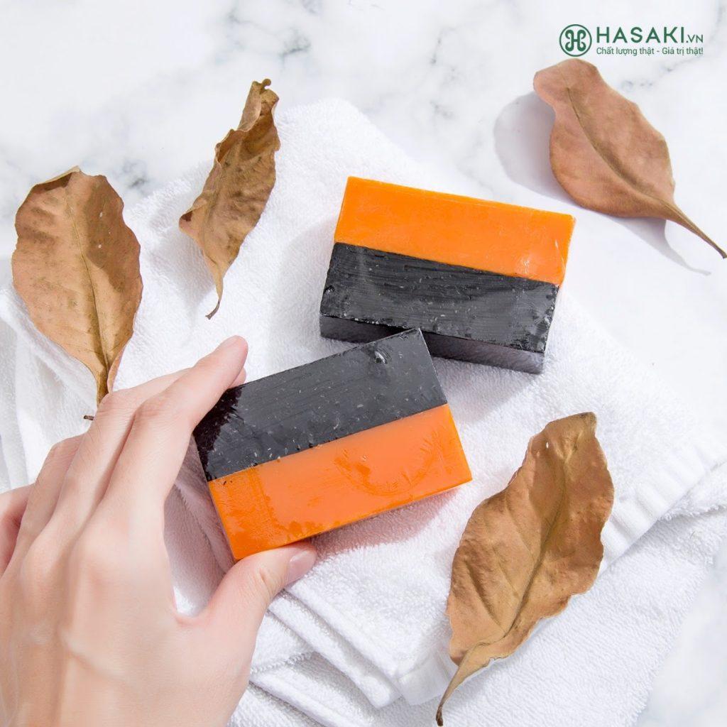 Review Xà phòng trị mụn lưng BareSoul Herbal Scrub & Soap