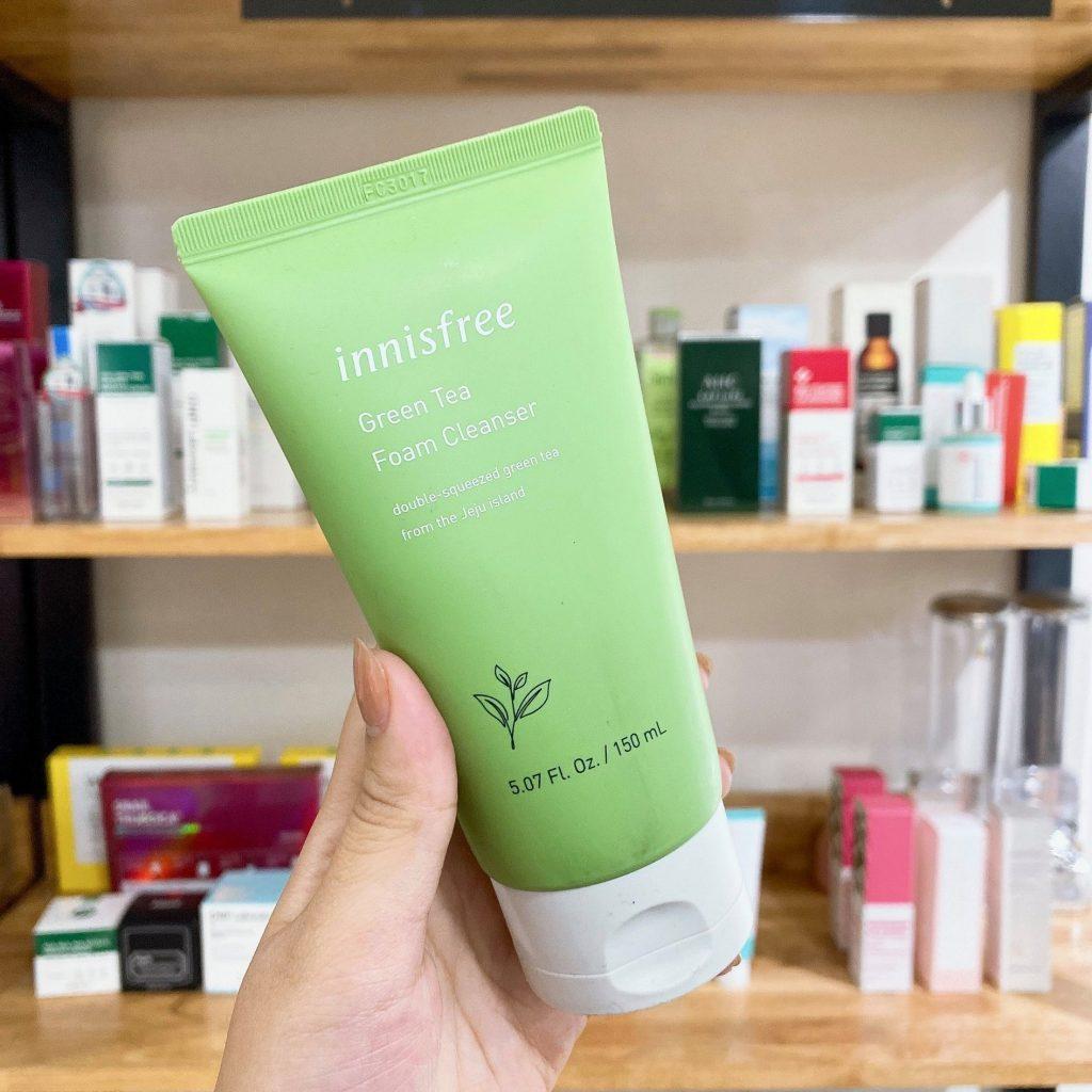 Review Sữa rửa mặt cho da dầu mụn Innisfree Green Tea Foam Cleanser