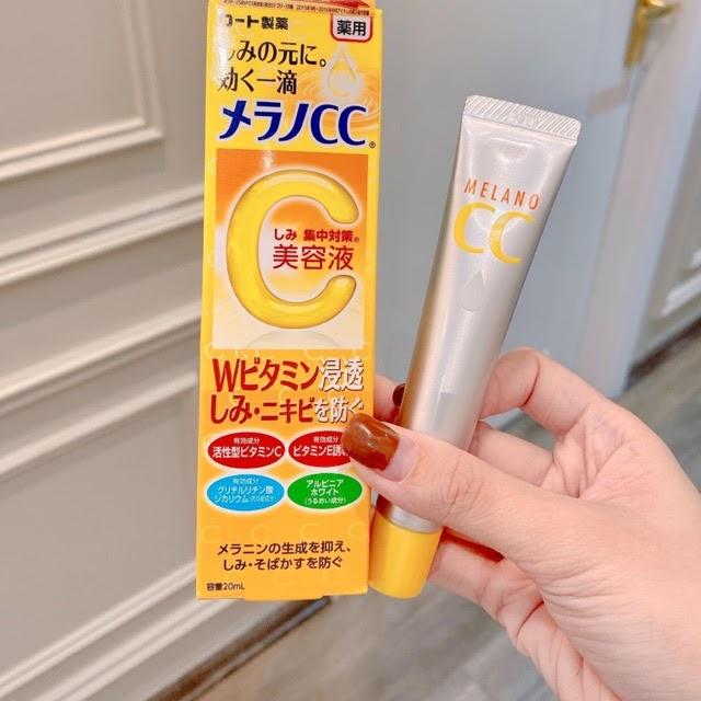 Review Serum vitamin C Melano CC Whitening Essence