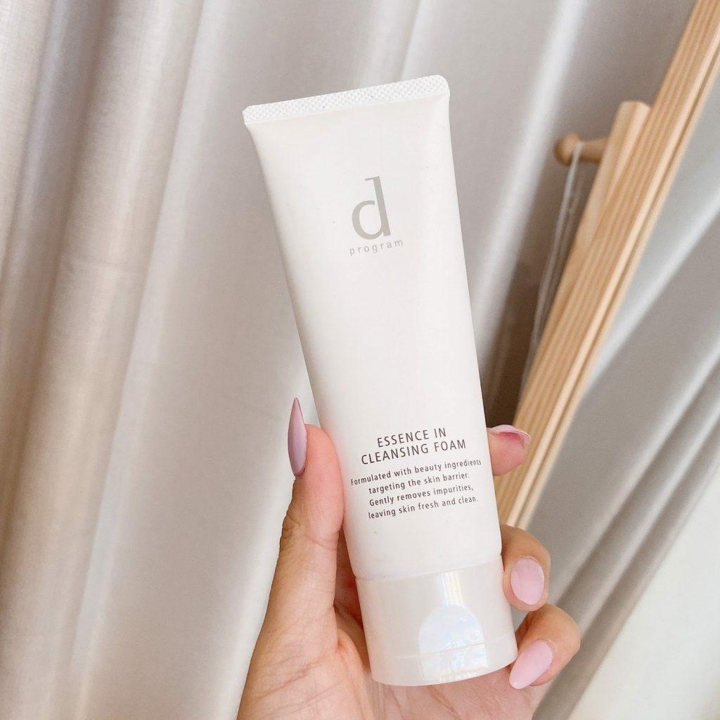 Review Sữa rửa mặt tạo bọt D Program Essence In Cleansing Foam