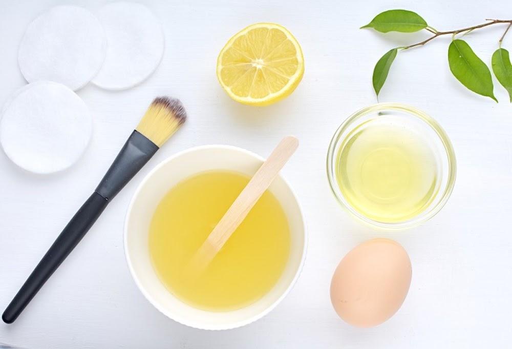 cách kiềm dầu cho da mặt bằng lòng trắng trứng và nước cốt chanh