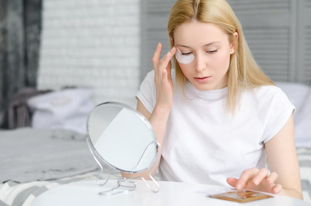 Cách sử dụng kem dưỡng mắt hiệu quả