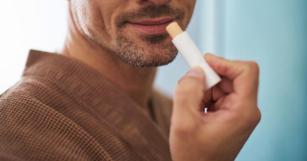 Top son dưỡng môi cho nam
